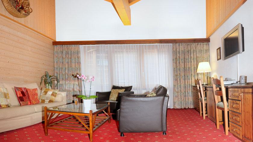 wohnung im hotel hotel simi zermatt. Black Bedroom Furniture Sets. Home Design Ideas
